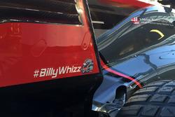 Хэштег #BillyWhizz на автомобиле VF-17 команды Haas F1