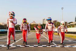 Mars Racing Team合影:李明扬(左1),梁岩(左2),许振赫(中),张昊鹏(右2),王恩琦(右1)