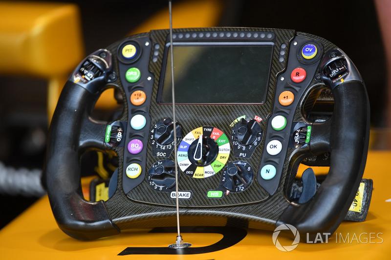 Renault Sport F1 Team RS17 direksiyon
