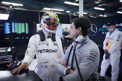 Lewis Hamilton, Mercedes AMG, met Toto Wolff, directeur Mercedes AMG