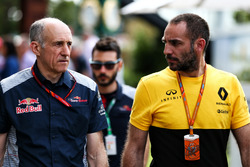 Franz Tost, Scuderia Toro Rosso STR12 Team Principal with Cyril Abiteboul, Renault Sport F1 Managing Director