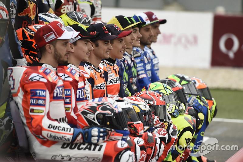 Gruppenfoto der MotoGP-Piloten 2017