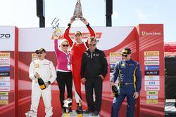 Trofeo Pirelli Am podium: ganador, Brent Holden, segundo, Jean-Claude Saada, tercero, Marc Muzzo