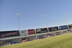 Ricky Stenhouse Jr., Roush Fenway Racing Ford, Martin Truex Jr., Furniture Row Racing Toyota