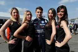 Giacomo Altoè, West Coast Racing, Volkswagen Golf GTi TCR with Grid girls