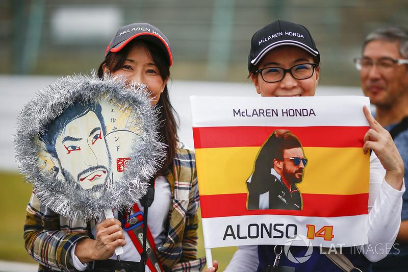 Fans of Fernando Alonso, McLaren