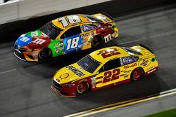 Кайл Буш, Joe Gibbs Racing Toyota, Джой Логано, Team Penske Ford