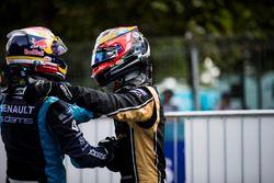 Ganador, Sébastien Buemi, Renault e.Dams y segundo lugar, Jean-Eric Vergne, Techeetah