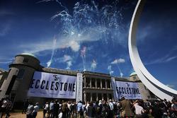 La statue hommage à Benie Ecclestone