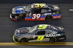 William Byron, JR Motorsports Chevrolet y Ryan Sieg, RSS Racing Chevrolet