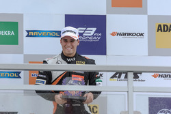Podium novatos: Joey Mawson, Van Amersfoort Racing, Dallara F317 - Mercedes-Benz