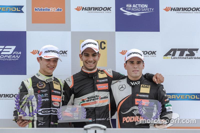 Rookie podium: Jehan Daruvala, Carlin, Dallara F317 - Volkswagen , Lando Norris, Carlin Dallara F317 - Volkswagen, Joey Mawson, Van Amersfoort Racing, Dallara F317 - Mercedes-Benz