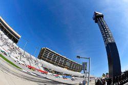 Denny Hamlin, Joe Gibbs Racing Toyota ve Matt Tifft, Joe Gibbs Racing Toyota