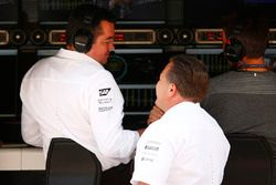 Eric Boullier, McLaren-Rennleiter; Zak Brown, McLaren-Chef
