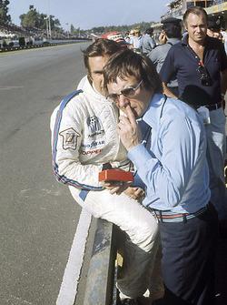 Bernie Ecclestone and Carlos Reutemann, Brabham BT44B-Ford