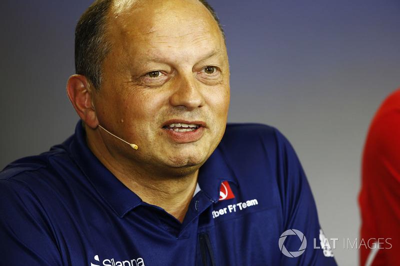 Frederic Vasseur, asiste a su primer gran premio como director del equipo Sauber