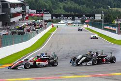 Мик Шумахер, Prema Powerteam, Dallara F317 – Mercedes-Benz, и Марино Сато, Motopark, Dallara F317 –