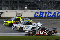 Noah Gragson, Kyle Busch Motorsports Toyota, Johnny Sauter, GMS Racing Chevrolet, Matt Crafton, ThorSport Racing Toyota