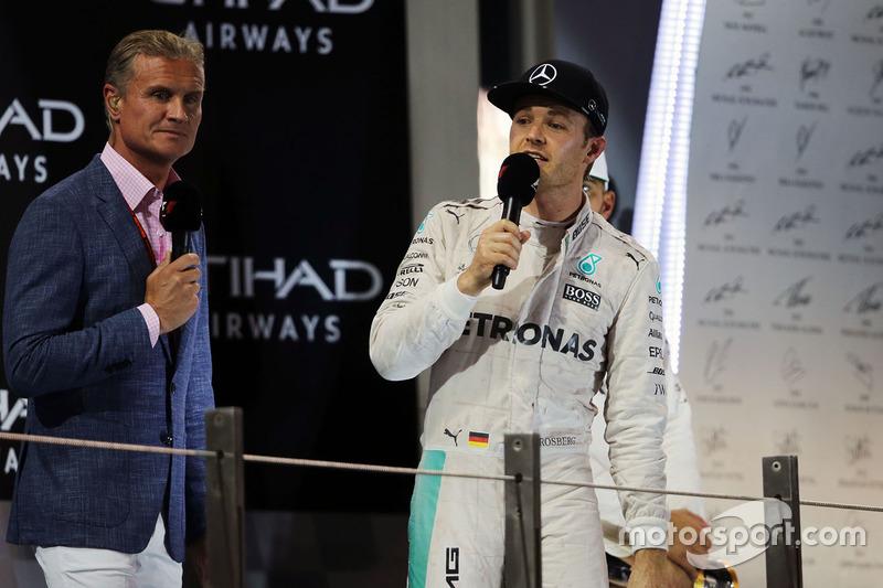 Campeón del mundo Nico Rosberg, de Mercedes AMG F1  en el podio