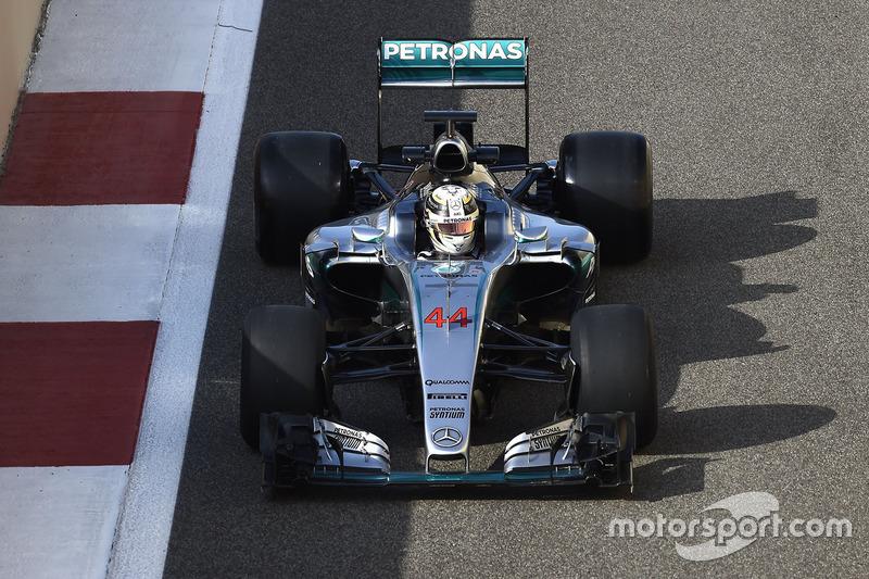 Lewis Hamilton, Mercedes F1 Team 2017 Pirelli lastiklerini test ediyor