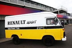 Renault Sport F1 Team F1 Historic: Transporter