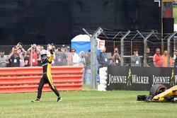 Il ritirato dalla gara Jolyon Palmer, Renault Sport F1 Team dopo essersi fermato in pista nel giro di ricognizione