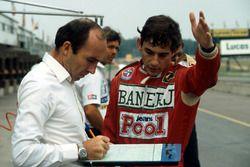 Ayrton Senna, Williams FW08C'yi takım sahibi Frank Williams ile tartışıyor