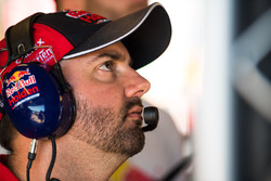 Grant McPherson, Red Bull Holden Racing Team Holden Commodore VF