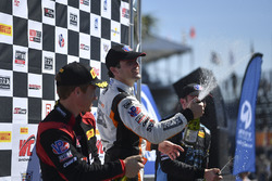 Podyum: 1. Alvaro Parente, K-Pax Racing, 2. Patrick Long, Wright Motorsports, 3. Michael Cooper, Cad