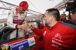 Winner Kris Meeke, Citroën World Rally Team with team manager Yves Matton