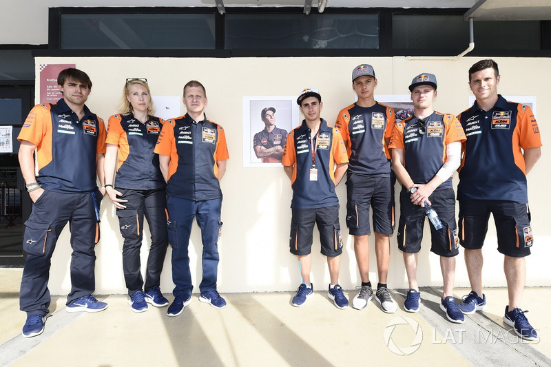 Darryn Binder, Platinum Bay Real Estate, Bo Bendsneyder, Red Bull KTM Ajo, Aki Ajo, Antonelli regardent l'hommage à Luis Salom