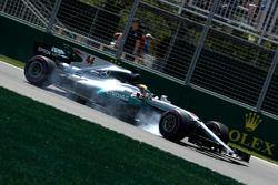 Lewis Hamilton, Mercedes AMG F1 W08 bloque une roue