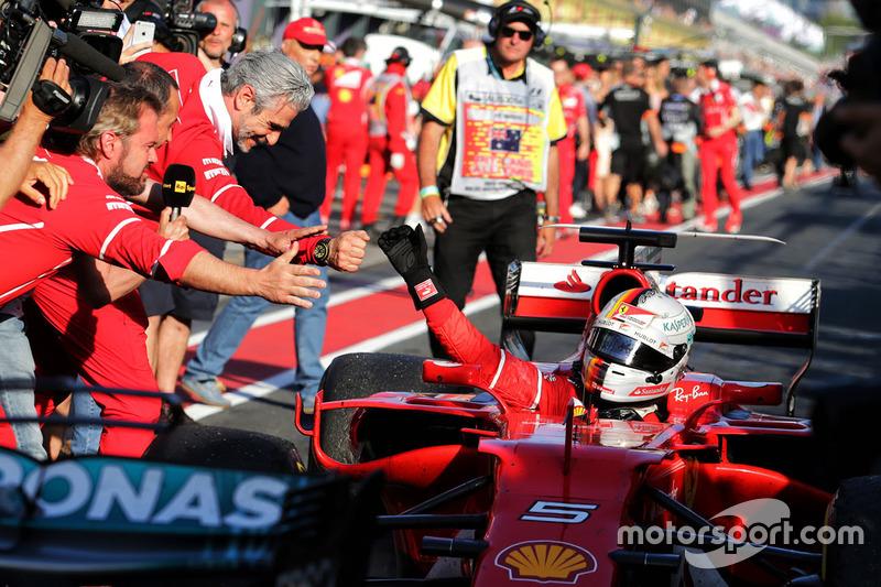 Il vincitore della gara Sebastian Vettel, Ferrari SF70H