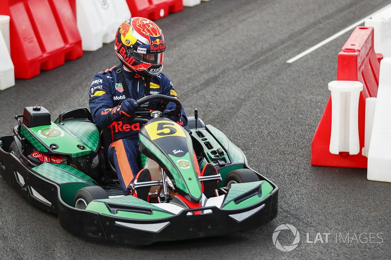 Daniel Ricciardo, Red Bull Racing en un kart