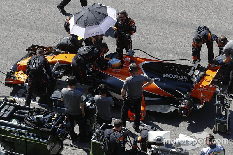 Fernando Alonso, McLaren: Abandono