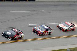 Erik Jones, Furniture Row Racing, Toyota; Kyle Busch, Joe Gibbs Racing, Toyota; Matt Kenseth, Joe Gi