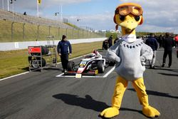 Fabio Scherer, US Racing with the Arena Ostrich