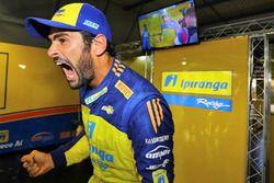 Thiago Camilo comemora pole no Velopark