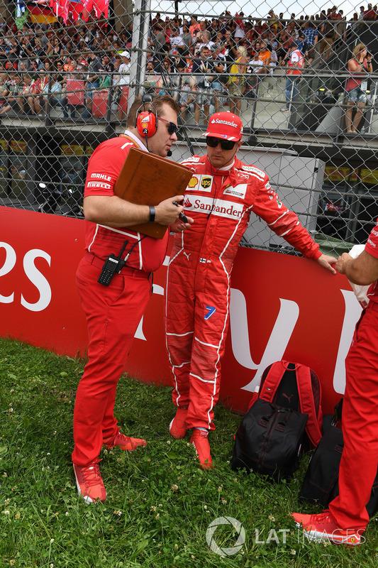 Kimi Raikkonen, Ferrari, mit Dave Greenwood, Renningenieur