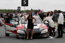 Gridgirl für Roberto Colciago, M1RA, Honda Civic TCR