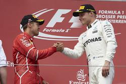Le deuxième, Sebastian Vettel, Ferrari, le vainqueur Valtteri Bottas, Mercedes AMG F1