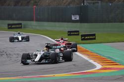 Lewis Hamilton, Mercedes AMG F1 W08, Sebastian Vettel, Ferrari SF70H, Valtteri Bottas, Mercedes AMG F1 W08