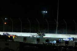 Accident au deuxième virage après le départ : Ed Carpenter, Ed Carpenter Racing Chevrolet, Will Power, Team Penske Chevrolet