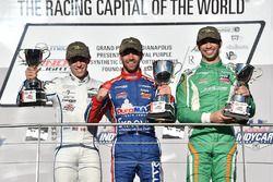 Podio: ganador Nico Jamin, Andretti Autosport, segundo lugar Zachary Claman De Melo, Carlin, tercer