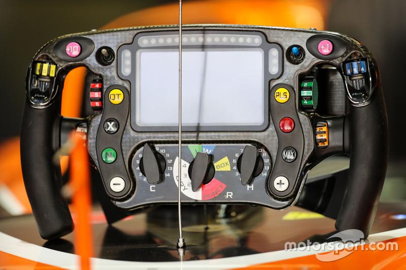 Volant de la McLaren MCL32