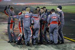 Race winner Austin Dillon, Richard Childress Racing Chevrolet crew celebrates