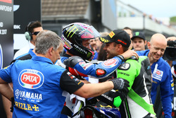 Alex Lowes, Pata Yamaha, second place Leon Haslam, Puccetti Racing