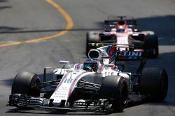 Lance Stroll, Williams FW40, Sergio Perez, Sahara Force India F1 VJM10