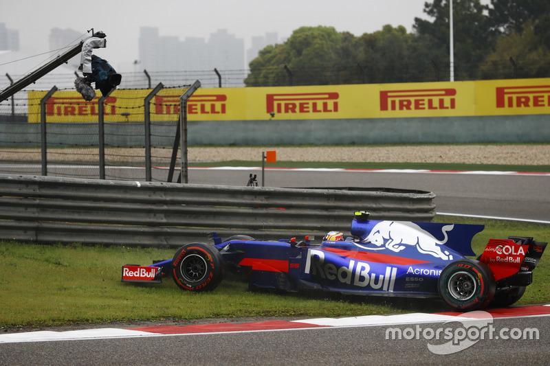 Carlos Sainz Jr., Scuderia Toro Rosso STR12 ile spin atıyor