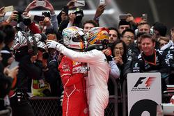 Lewis Hamilton, Mercedes AMG F1 e Sebastian Vettel, Ferrari